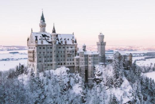 Neuschwanstein, il castello delle favole fra le montagne della Baviera