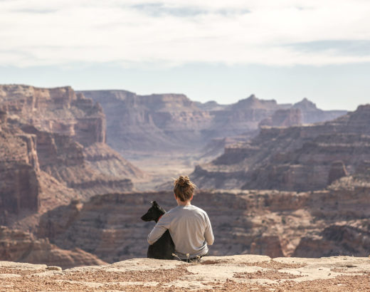 Viaggiare rende felici o immorali?