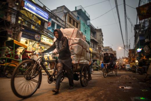Dal caos alla rinascita: un viaggio emotivo nel cuore di Old Delhi