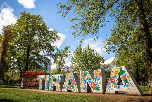 Cosa vedere a Tirana in un giorno, tra storia e locali alla moda