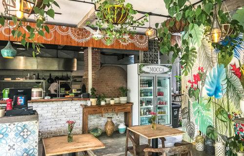 Café per nomadi digitali a Canggu, Bali